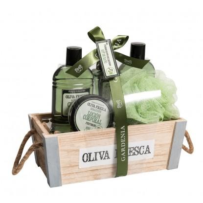 Set Baño Oliva Gel 220 ml + Champú 220 ml + Loción Spray 90 ml + Loción 80 ml + Esponja